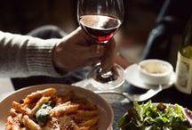 Food and Drink / by Flavia Gorgatti