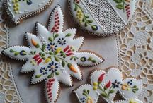 Cake and Cookie Decorating / by Angela Riemer