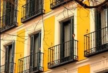 yellow / by Fabiana Zanetti
