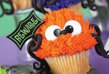 trick or treat / Get in the Halloween spirit with these fun decorating ideas for your next spooktacular celebration.  / by Bakery Crafts