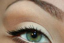 Make up / by Melissa Bettencourt