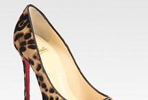 Shoes & Bags / by Paola Orellana