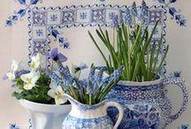 ღ Blue & White ღ / by Lisa Coulter