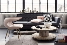 design LIVING SPACE / by Mel Inus