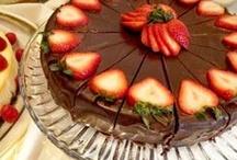 Yummy Desserts / by Mary Sedlacek