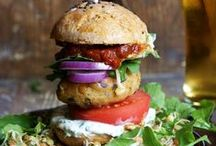 Hungry? / Tasty food ideas that'll keep you counting down the minutes till the lunch break / by Roomsurfer