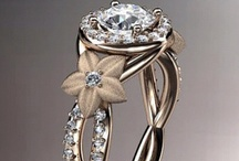 Pretty shiny things <3 / Jewelry, rings, diamonds & neat stones / by Diana Cadwell