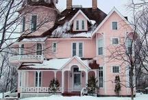 Homes & Interior Design / by Hannah Rust