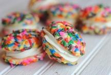 Yummy-tastic / by Jamie McNamara