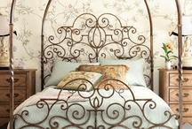 ~ Beautiful Boudoirs ~ / Lovely & Plush Bedrooms / by Deby Matta DeBruycker
