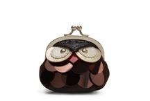 Bags, purses etc. / by Hannah Cardoso