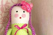 craft - dolls and toys / by Robyn Sherer