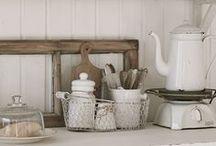 Farmhouse Style / by Anya Schrier
