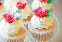 Cupcakes / by Debbie Cloutier
