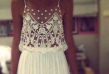 Wedding Dresses / by Wedding Guide Asia (WGA)