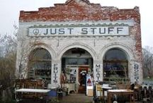 Antique & Thrift Stores, Flea Markets & Junking / by Lucinda Huff