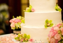 Weddings: Cakes / by MaryKate