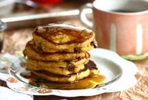 Breakfast Treats / by Carolyn Bell