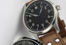 Man's Watches / by FacilySencillo