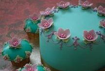 Cakes / by Elizabeth Cannon