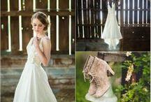 Rustic Vintage Wedding / Rustic, Vintage,  Plum, burlap, White  / by Melissa Jones-Watson
