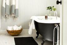 Interior | Bathroom / by Linda Kummel