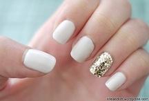 nails / by Ligia Braidotti