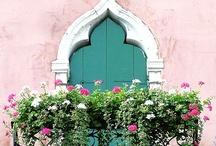 Pretty Little House / by Kelly Ryan