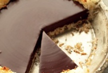 Yum Yum (desserts) / by Lauren Delius