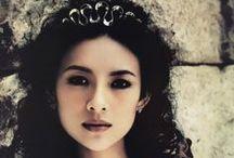 Of Princesses & Queens / by Elizabeth Novak