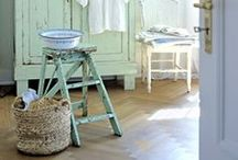 Decorating With Vintage Ladders / by Holly Louen