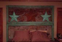 Crafty House Decor I Love! / by Lynsie Medhaug