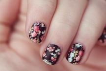 floral / by Jamilah Nadeia Alia