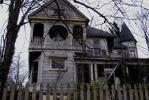 Victorian Houses / by Your Ghost Host
