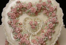 Foreign Techniques - Royal Icing/Lambeth Style  / by Kathleen Lange