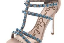 Shoes / by Liane Gonzalez