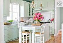 Kitchens & Laundry / by Jennifer Dinning Brenda Remlinger