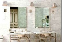 Bathrooms / by Paula Andrén Marchini