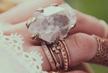 Jewelry <3 / by Leonie Geurts