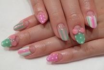 nails / by Alyssa Landa