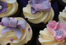Recipes: Cupcakes and nothing else! / Looking for some awesome cupcake ideas and recipes? FOUND IT! / by Billie Hillier