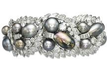 Pearl Jewelry / by Joanne D.
