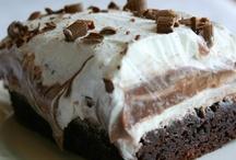 Food: Sweet Treats / by Lois Houston