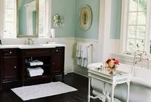 Bathrooms / by Bridget Scoggins