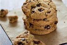 Love Me Some Cookies n' Bars / by Wendy Dodds