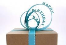 Gift Wrap Ideas / by Oneida Brito