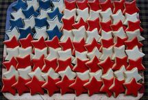 July 4th / July 4th decor crafts and recipes  / by Caroline Burns