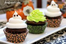 Halloween  / #halloween treats, decorations, food, pumpkins and party ideas. / by Savvy Sassy Moms