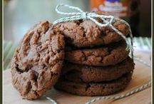 Food: Cookies / by Christina {The Frugal Homemaker}