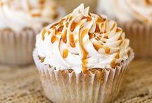 Cupcakes / by Jade Lee